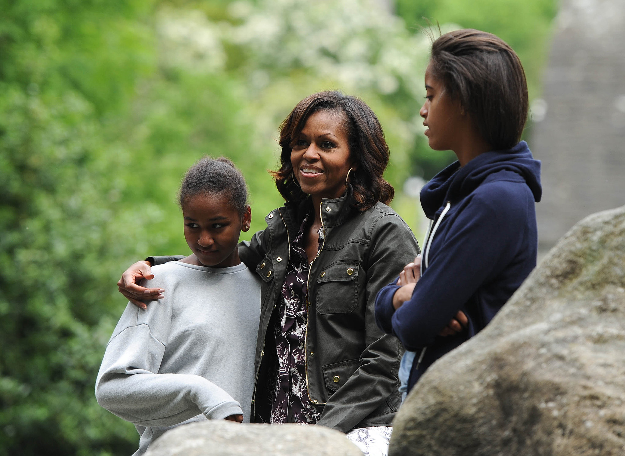 Michelle-Sasha-Malia-Obama-kept-things-casual-during-June